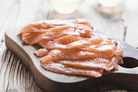 es bueno el salmón ahumado para los perros